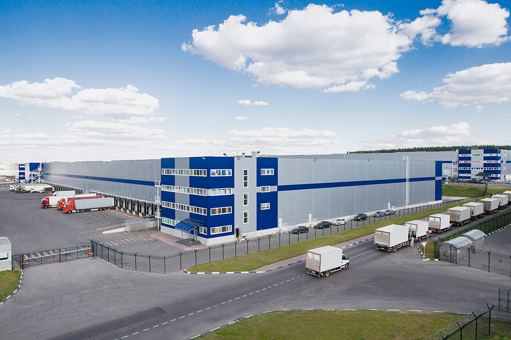 Modern,Logistics,Center,With,Different,Cargo,Truck